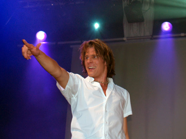 http://mathieuleconte.files.wordpress.com/2007/03/basshunter.jpg